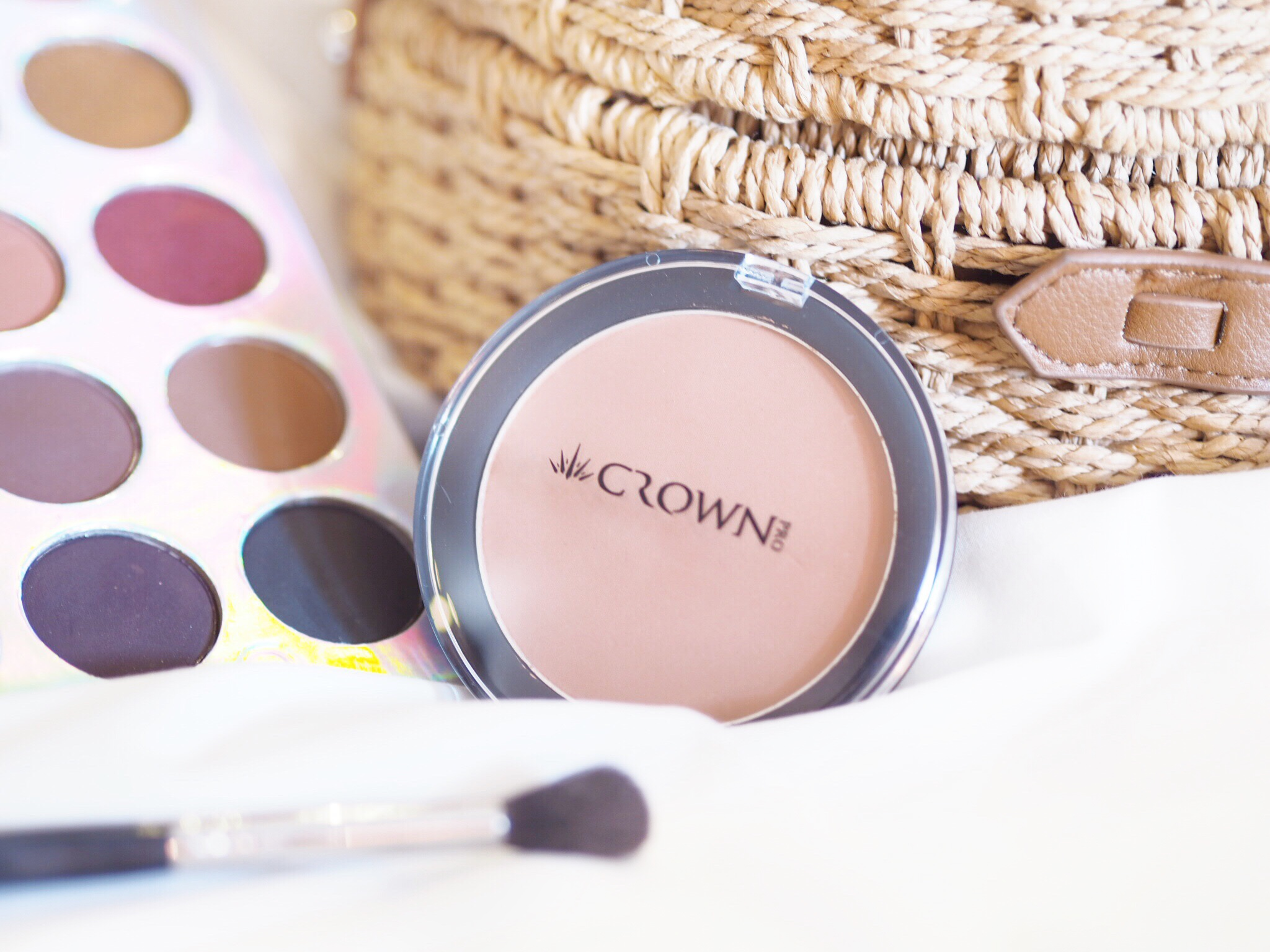 Crown Brush Bronzer