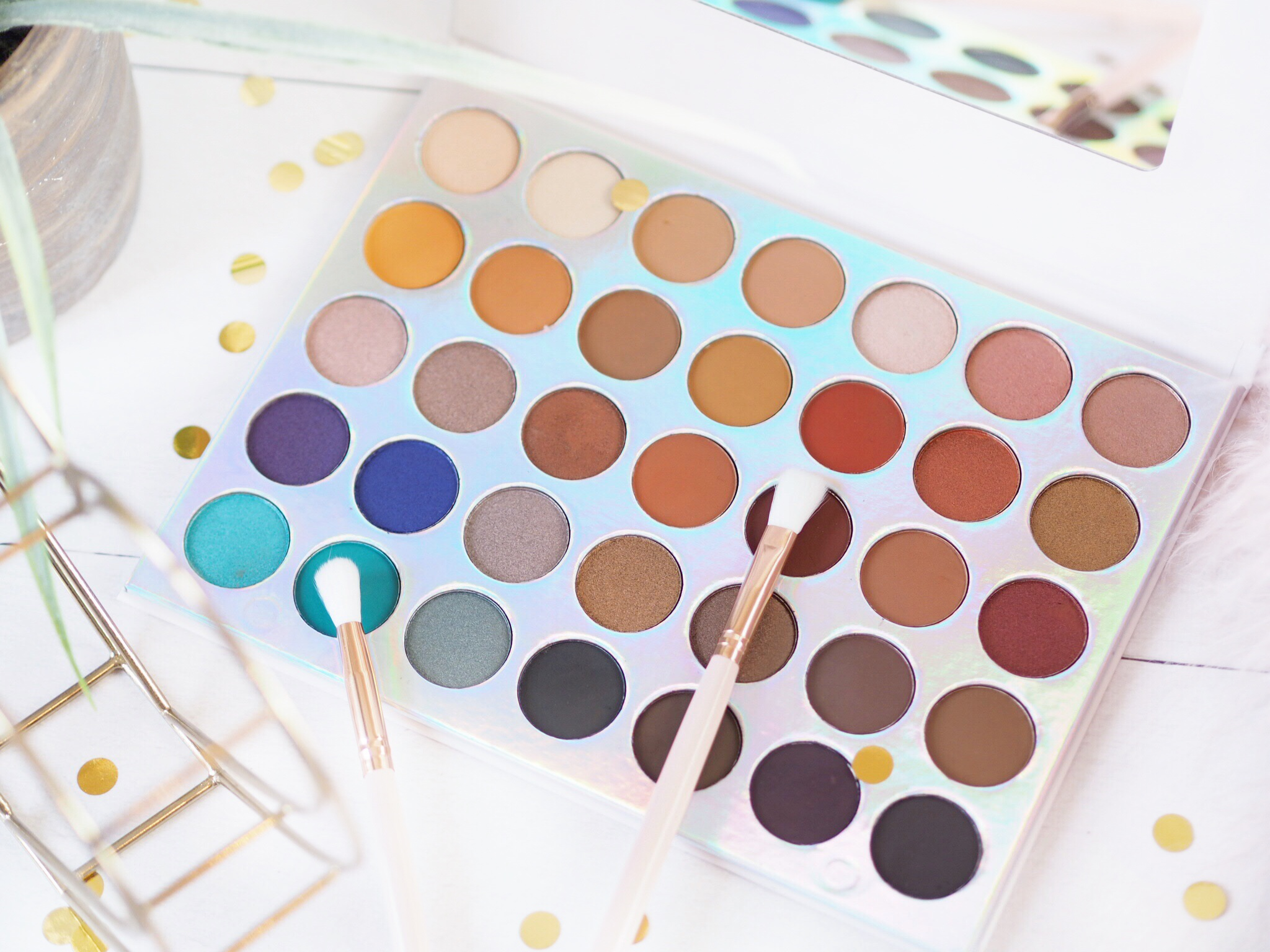 Crown Brush OMG Palette Review