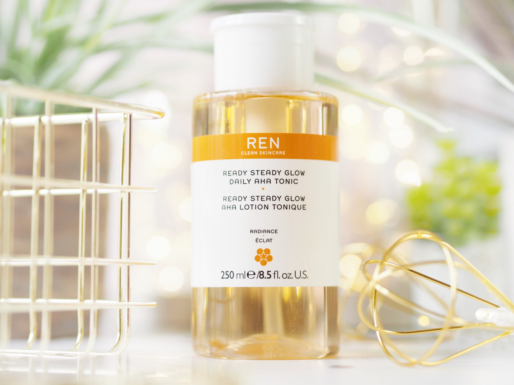 REN Clean Skincare Ready Steady Glow Daily Tonic