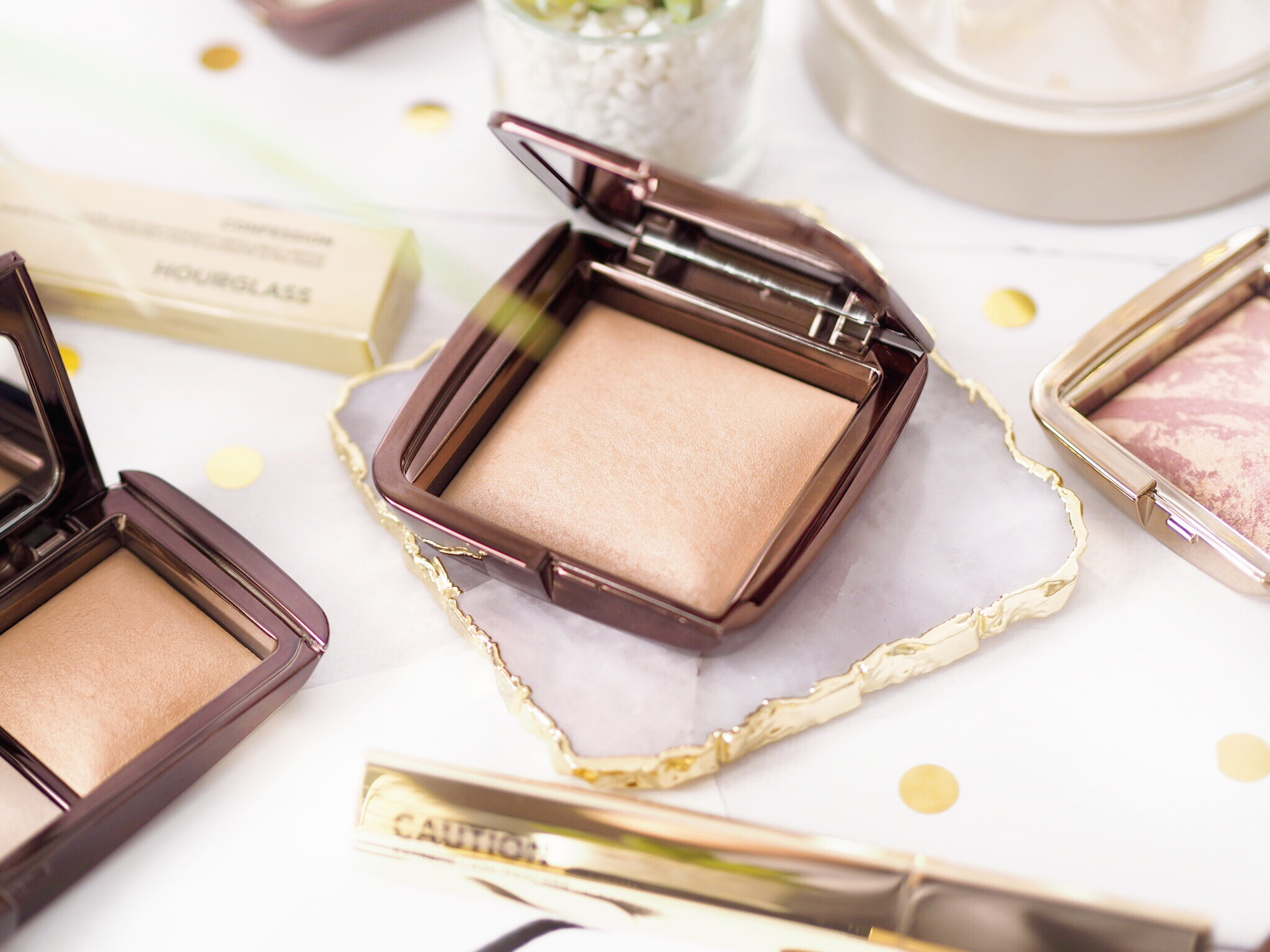 Hourglass Ambient Lighting Powder in shade Luminous Light Review