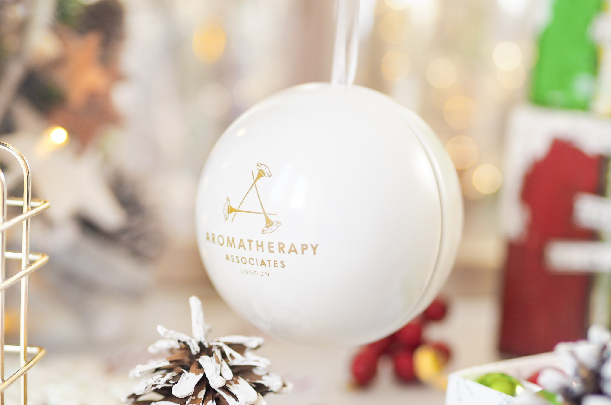 Aromatherapy Associates Pearl of Wisdom Bauble