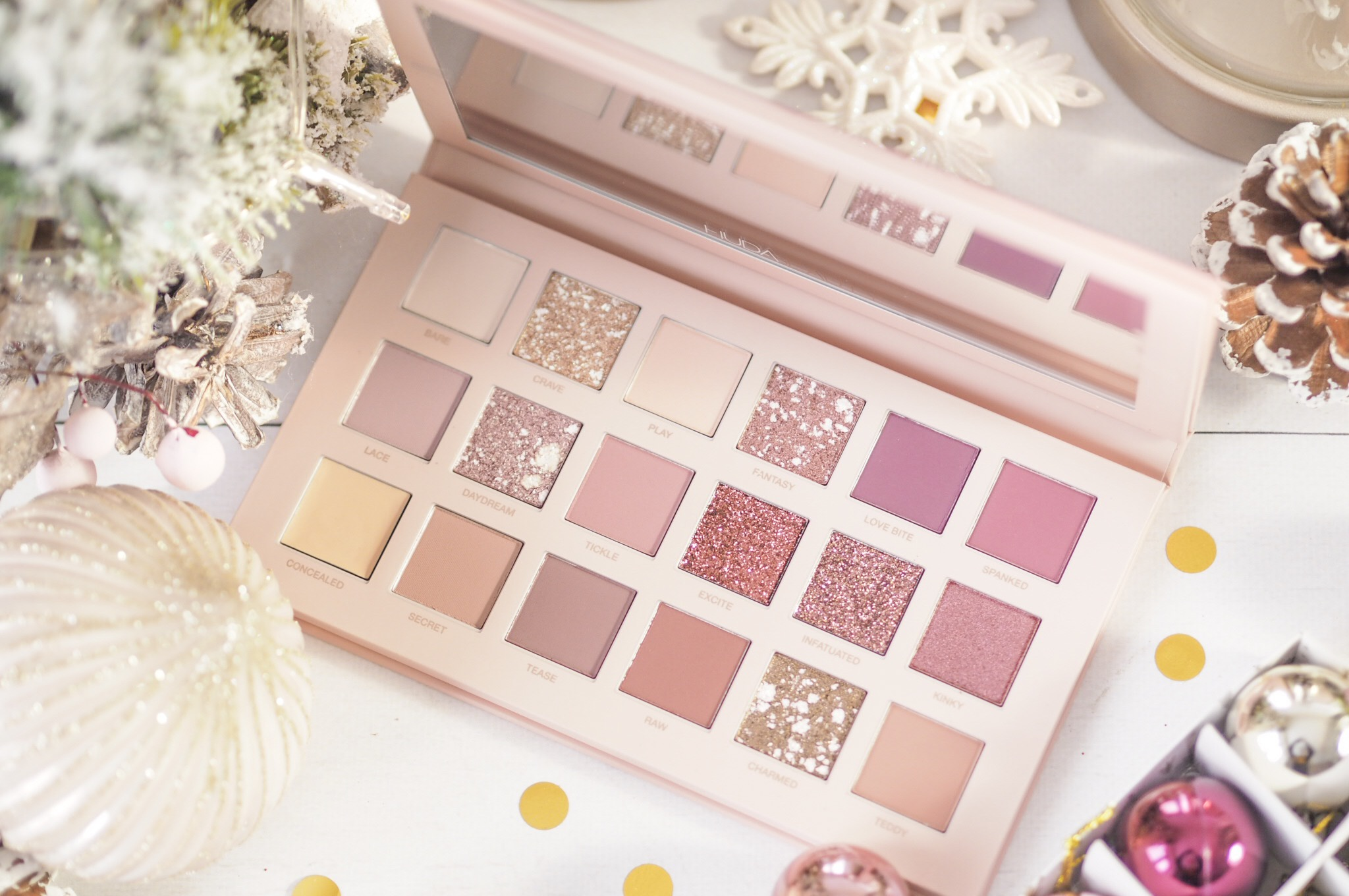 Huda Beauty New Nude Palette - Review