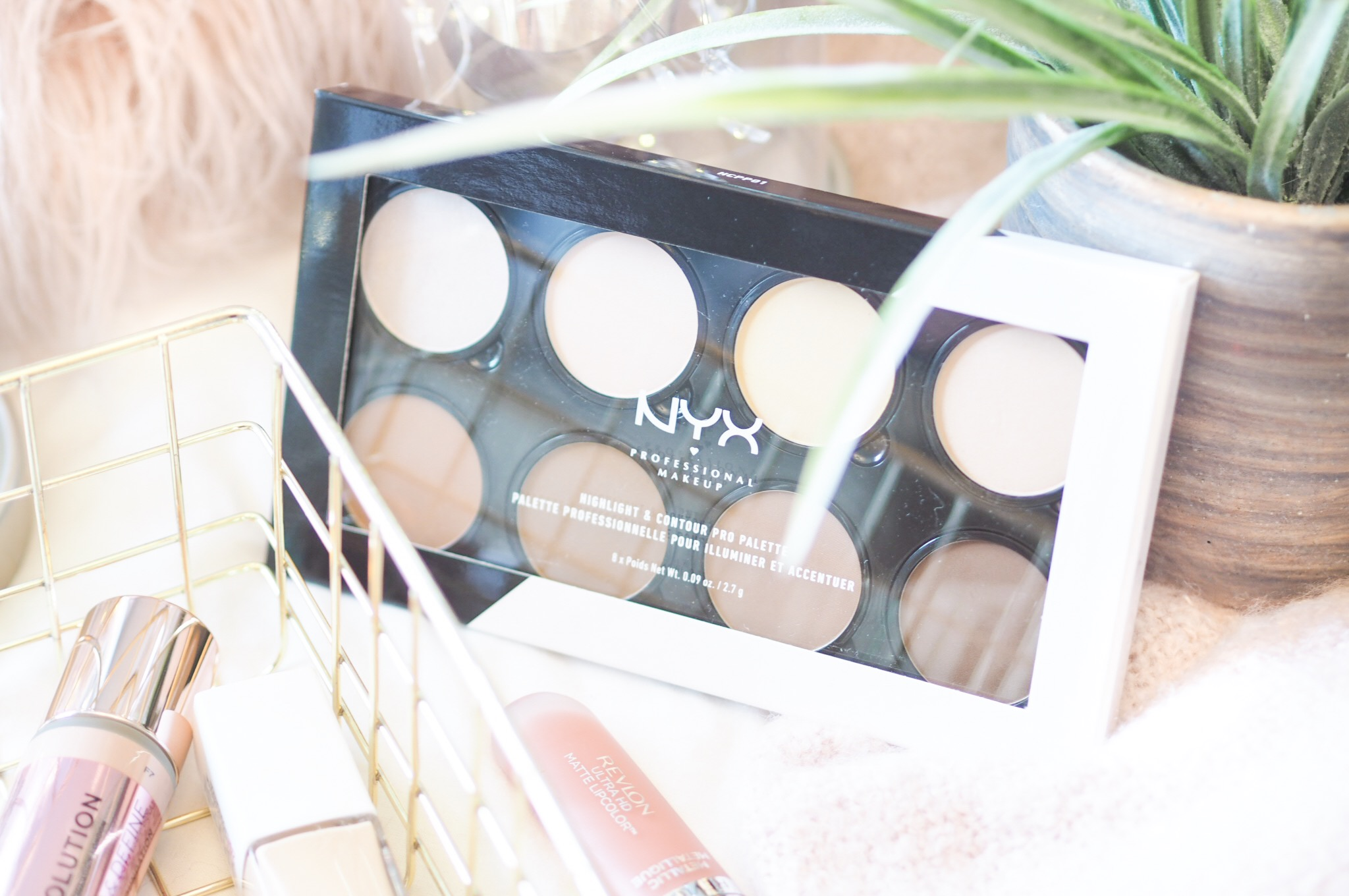 Nyx Professional Makeup Highlight & Contour Palette