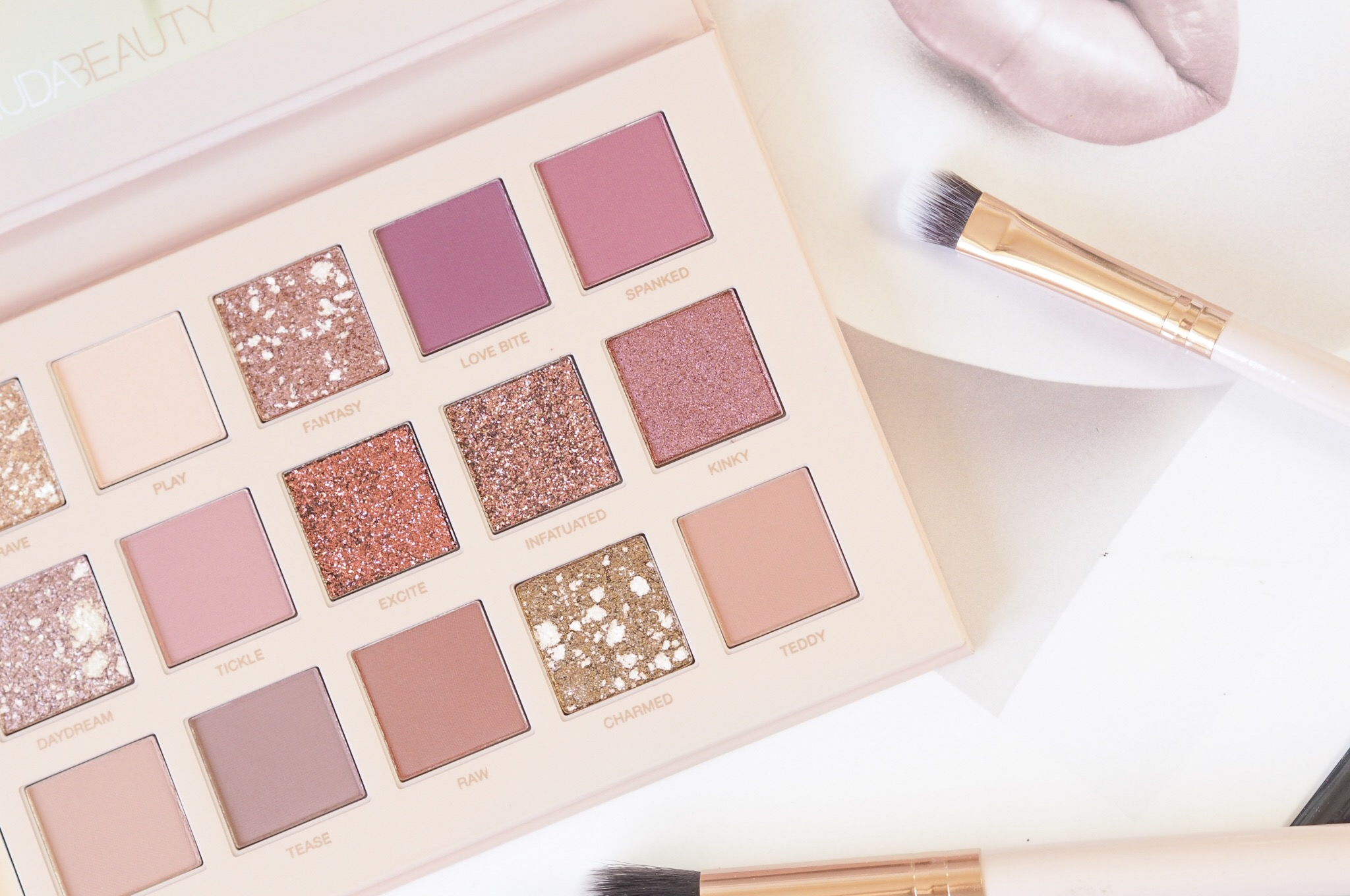 Huda Beauty New Nude Eyeshadow Review