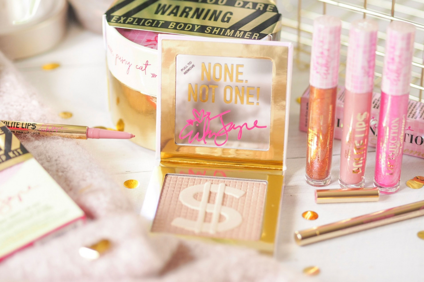 Too Faced Pretty Mess Review