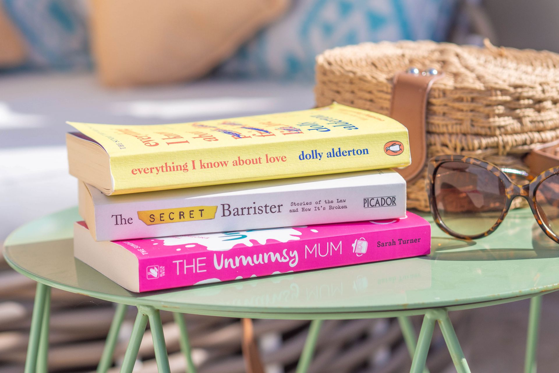 Three Different Types Of Holiday Reads