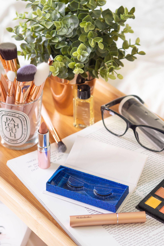 Magnetic Eyelashes and Eyeliner