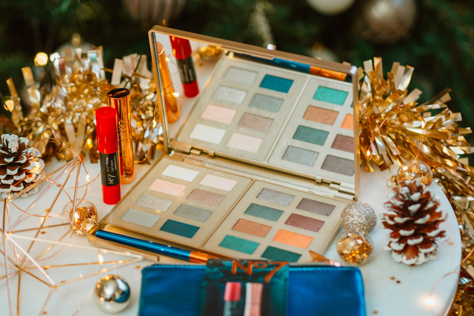 No7 Ultimate Eye Palette - last minute Christmas gifts