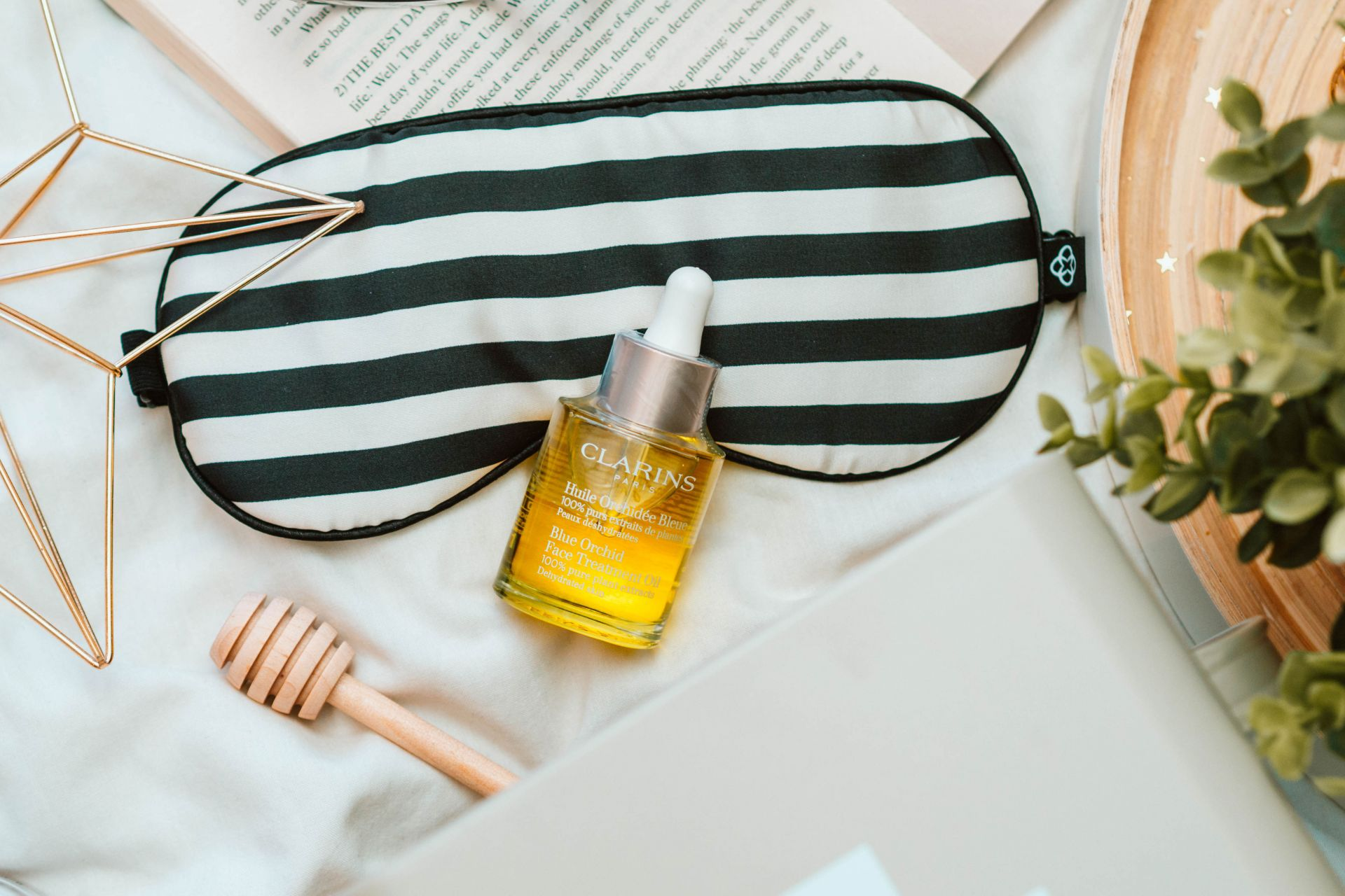 How to have a great skin month with the Clarins Blue Orchid Face Treatment Oil